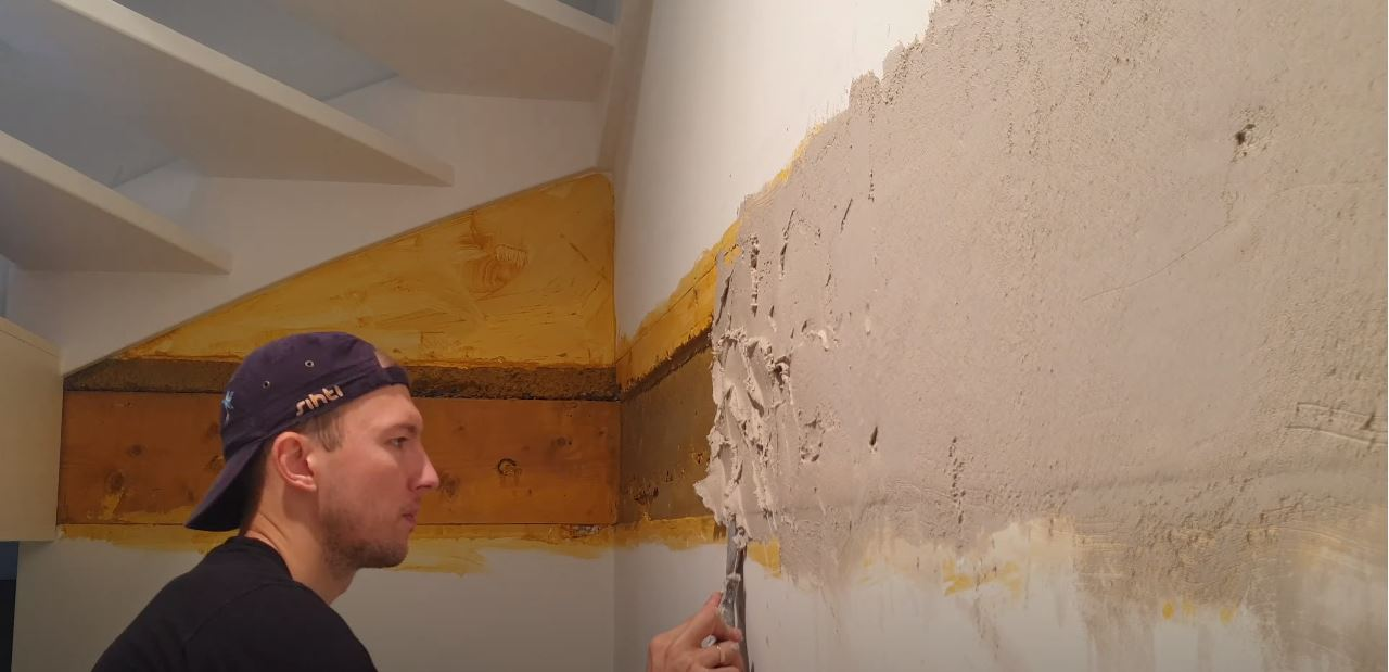 applying wall putty